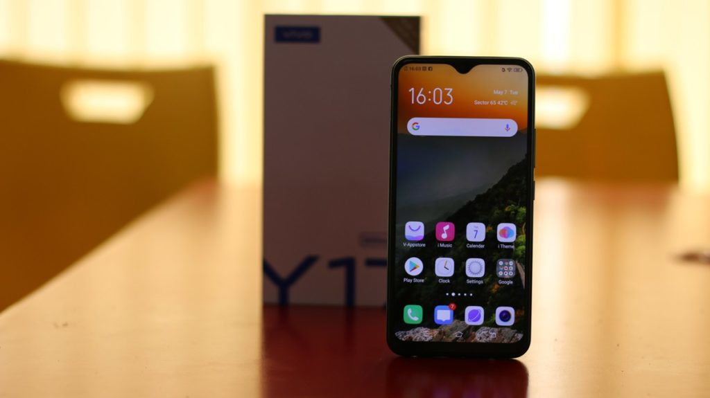 Vivo Y17 with box
