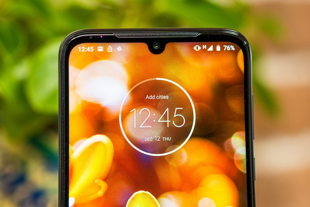 Moto G8 Plus Notch display