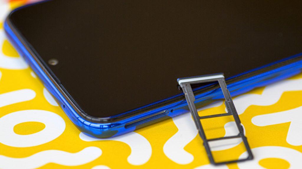 Redmi Note 8 Sim and memory card slot